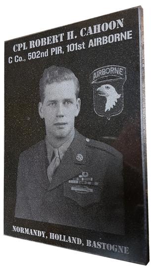 plaque commémorative granit gravée laser 101st Airborne